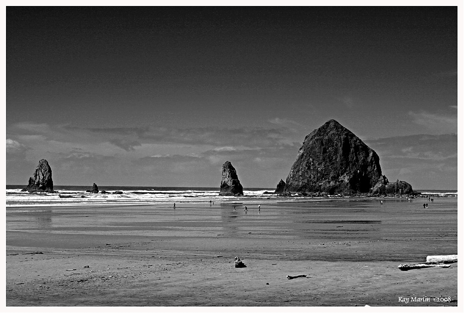 photoblog image Haystack Rock, Oregon